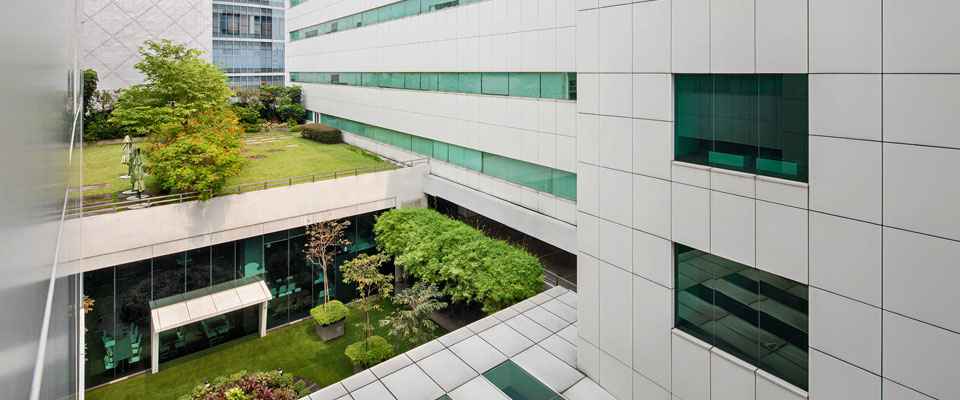slide-property-starhub-green-2